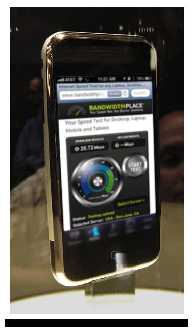 IPhone_at_Macworld_(angled_view)