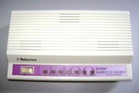 800px-Fax_modem_antigo.jpg