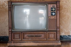 586px-Old_TV.jpg