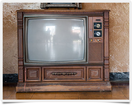 586px-Old_TV